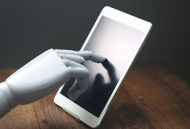 Self-learning AI apps